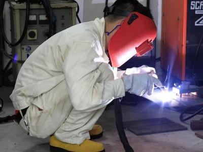电焊的四种方式与要点方法、仰焊、平焊、立焊和横焊
